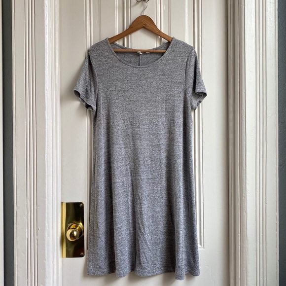 GAP Dresses & Skirts - Gap Heather Grey Short Sleeve Shirt Dress